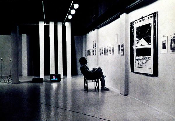 Exposición retrospectiva Santiago Punto Cero, video instalación, Galería Sur, 1983. Cortesía: Gonzalo Mezza