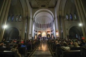 Canto-Hermoso-de-María-Siebald-en-la-Basílica-de-Lourdes
