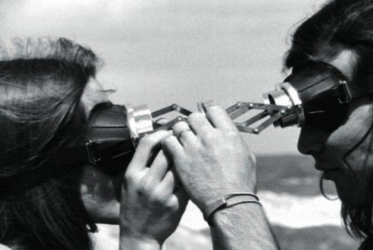 Lygia-Clark-uma-retrospectiva-2012.-Diálogo-de-Óculos-1968-Obra1-534x358