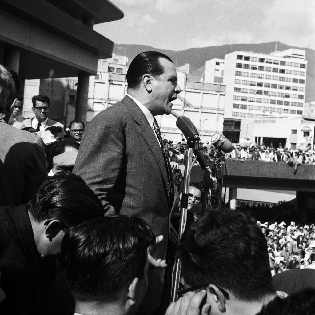 Rafael-Caldera-pol°tico.-Caracas-ca.-1960.1112