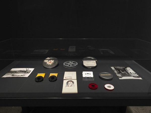 installation_view_ana_mendieta_experimental_and_inveratvie_films_glny_2016_15-600x450