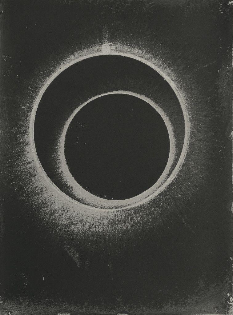 Fernando Prats, Miguel y Alan, 2012, humo sobre papel, 29,7 x 40 cm. Cortesía del artista y Galería Joan Prats
