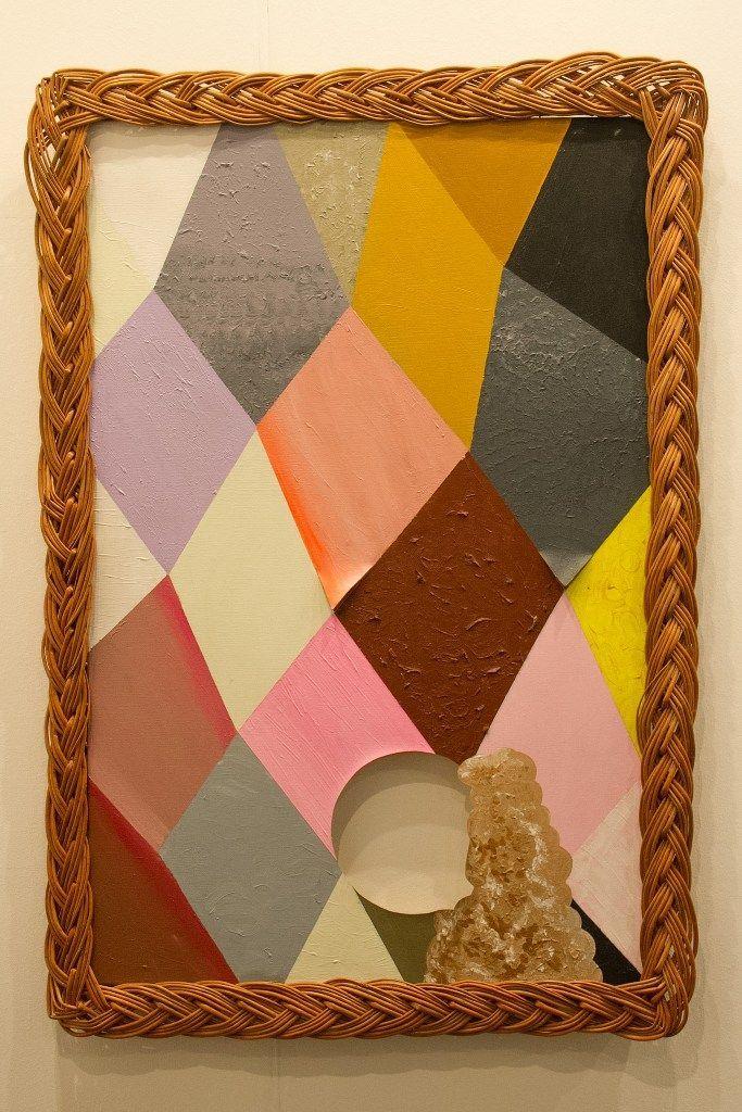 Fernanda Laguna, Pierrot 2, 2012, acrílico sobre tela, calado y mimbre, 110 x 76 cm. Cortesía: Galería Nora Fisch