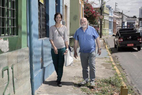 Con-Paulo-Bruscky-en-Recife-foto-Barbara-Wagner