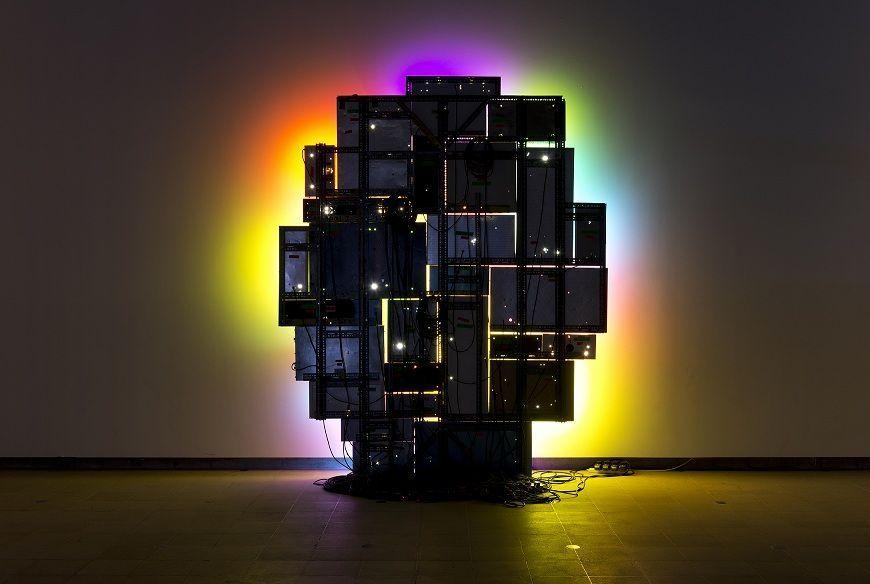 """David Batchelor, Magic Hour, 2004 2007. Vista de la instalación en """"Light Show"""", Hayward Gallery, 2013. Foto: Marcus J Leith © El artista, 2016"""