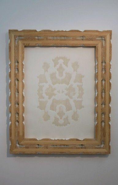 De-la-serie-fuera-de-margen_-bricolage_-molduras-y-xilografía_96x116-cm_baja-385x600