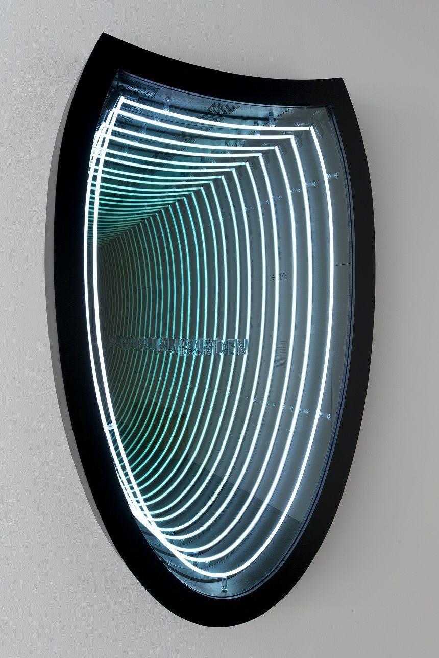 """Iván Navarro, Burden (Lotte World Tower), 2011. Vista de la instalación en """"Light Show"""", Hayward Gallery, 2013. Foto: Marcus J Leith. © Iván Navarro"""