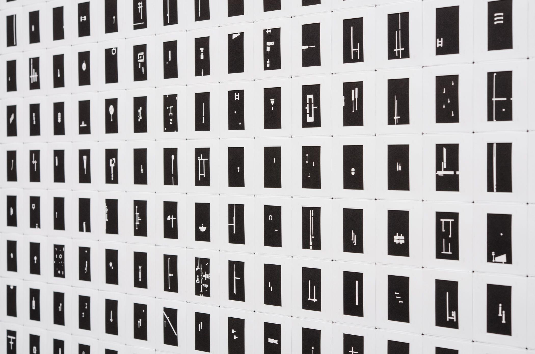 Marco Maggi, Optimismo Radical (negro) (detalle), 2016. Foto: Walter Otto. Cortesía: Espacio Monitor