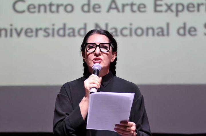 MARINA ABRAMOVIC. MANIFIESTO DE LA VIDA DE UN ARTISTA