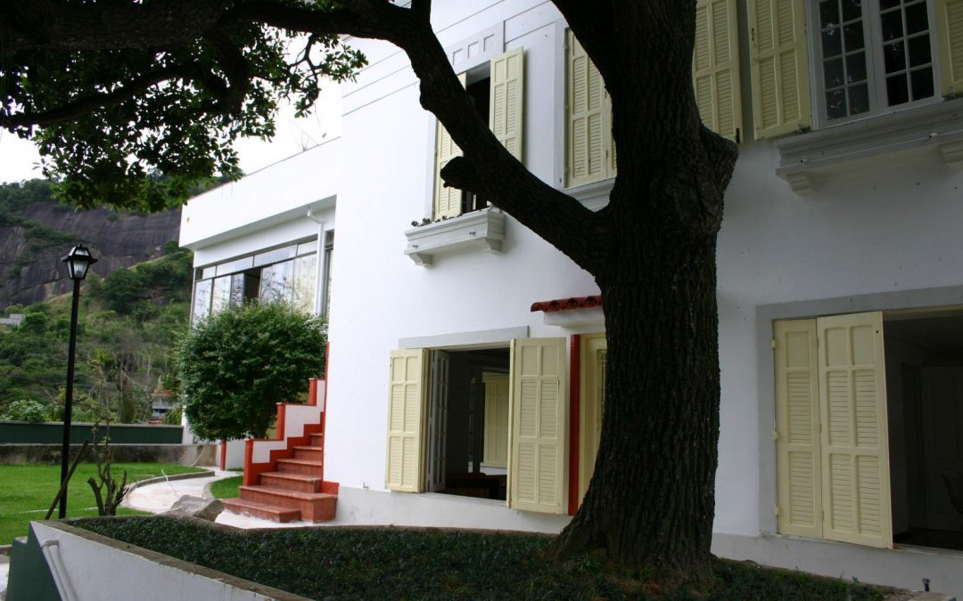 MOTEL Y CAPACETE LANZAN BECA PARA ARTISTAS JÓVENES CHILENOS