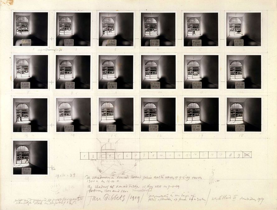 Jan Dibbets, The Shadows at Konrad Fischer Gallery, 1969, fotografías en blanco y negro, lápiz y tinta sobre cartón. Colección LeWitt, Chester, CT. © 2015 Jan Dibbets / Artists Rights Society (ARS), New York. Foto: John Groo