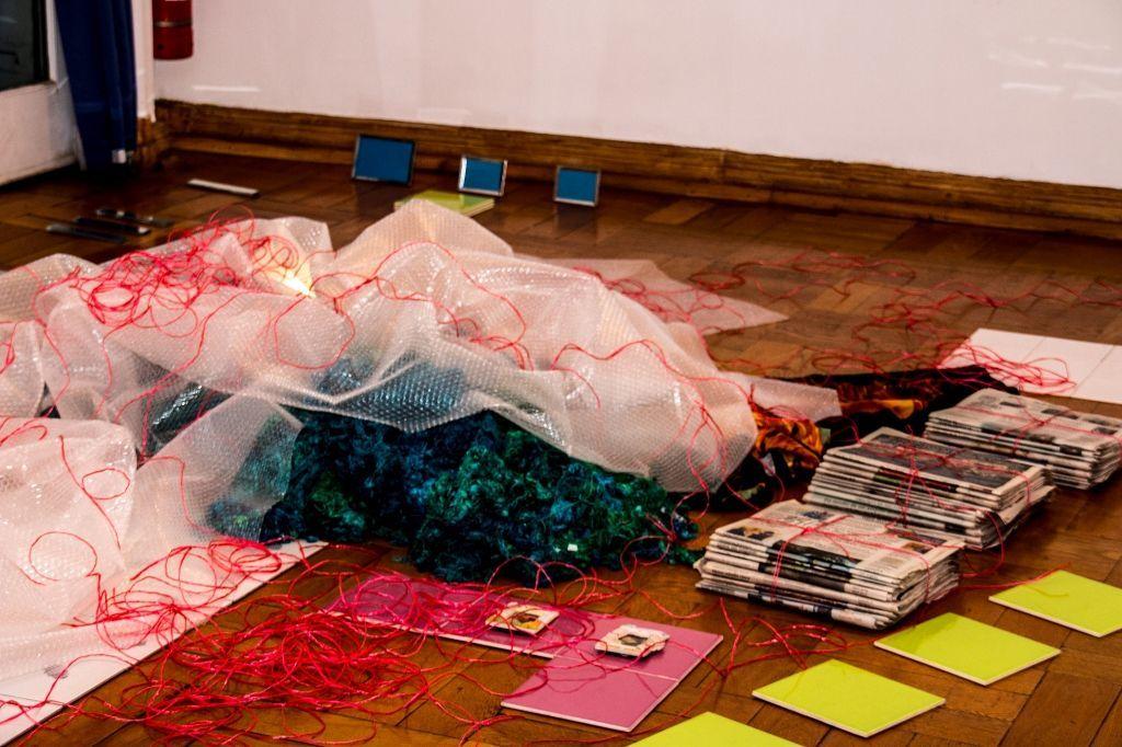 """Vista de la exposición """"Brugnoli/Errázuriz/Paisaje II"""", en el Instituto Italiano de Cultura, Santiago de Chile, 2016. Cortesía de los artistas"""