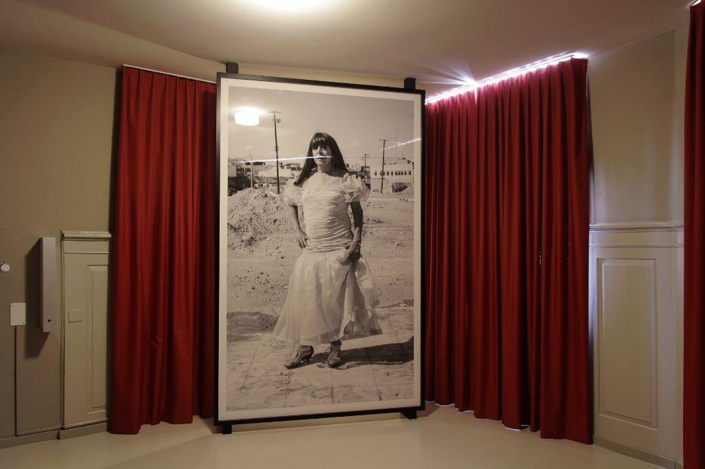 Teresa Margolles, intervención en sede satélite Hotel Rothaus. Foto: (c) Manifesta11/Wolfgang Traeger