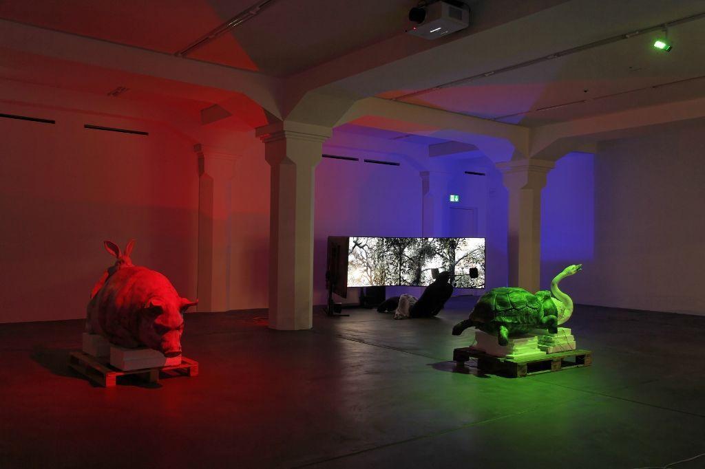 Jon Rafman, Open Heart Warrior, vista de la exposición en el Löwenbräukunst, Zürich. Foto: (c) Manifesta11/Wolfgang Traeger