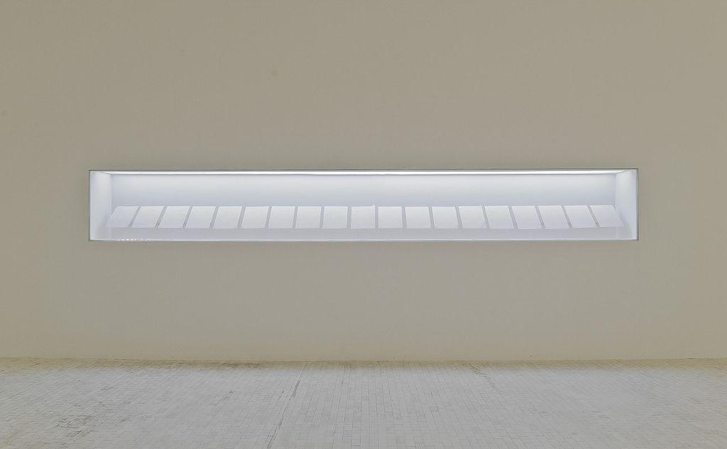 Mario García Torres, Aventuras en Share-e-Naw (un tratamiento cinematográfico), 2006. Diecinueve hojas de papel thermo-fax, 21 x 30 cm, cada hoja. Cortesía del artista y Jan Mot, Bruselas. (Fotografía cortesía Museo Tamayo)