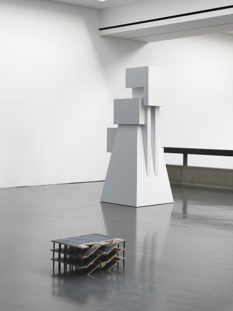 Rita McBride, vista de la exposición en Kunsthalle Düsseldorf, 2016 © Rita McBride / VG Bild-Kunst, Bonn 2016. Foto: Anne Pöhlmann