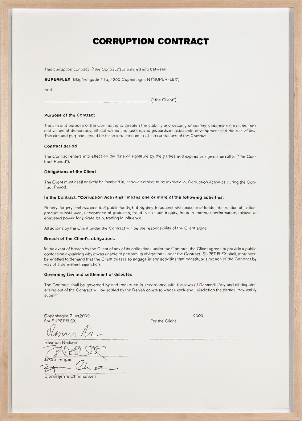 Superflex, Corruption Contract, 2011, impresión láser sobre papel, enmarcado. Consultor legal: Daniel McClean. Cortesía de los artistas y MAC
