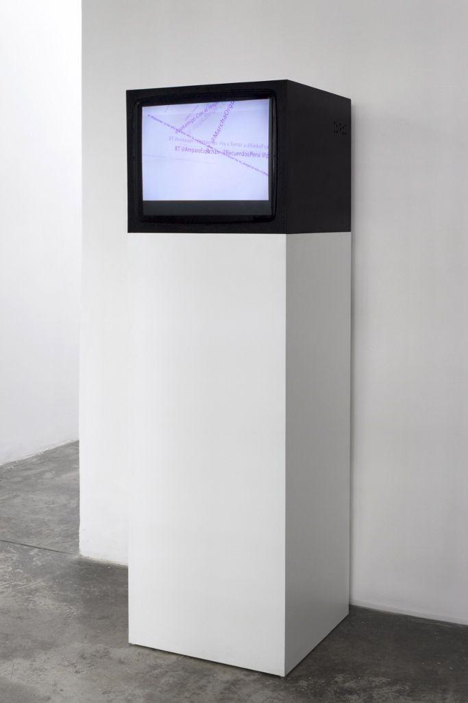 Yucef Merhi, Interceptaciones, 2016, vista de la exposición en Revolver, Lima. Cortesía de la galería