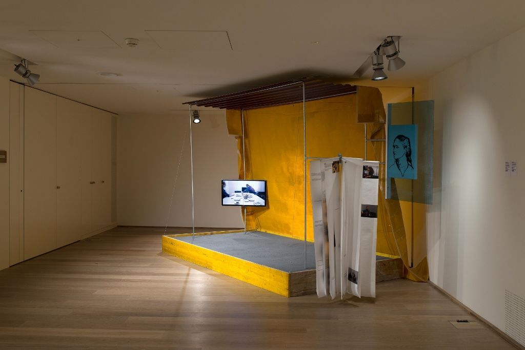 Georgia Sagri. Documentary of Behavioural Currencies. Vista de la instalación. Manifesta 11, Zúrich, Suiza, Bank Julius Baer. Foto: Flavio Karrer, 2016