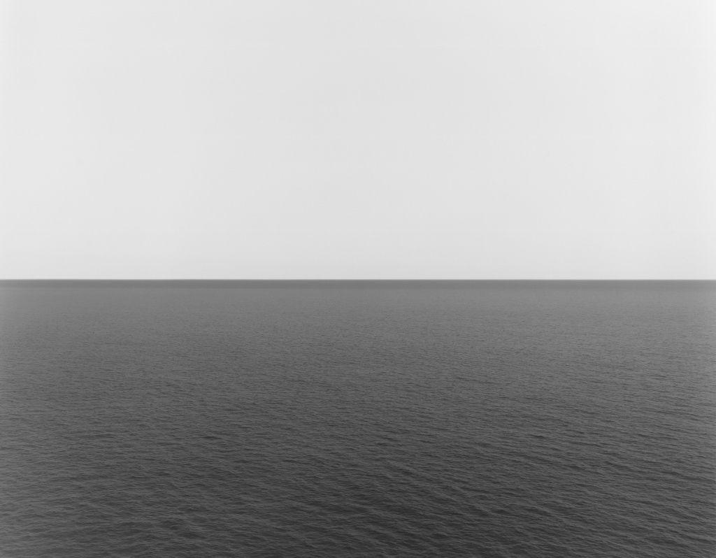 Hiroshi Sugimoto. Tyrrhenian Sea, Conca, 1994. Impresión a la gelatina de plata. 119.5 X 149 cm. Fundación MAPFRE, Madrid. 2016. © Hiroshi Sugimoto