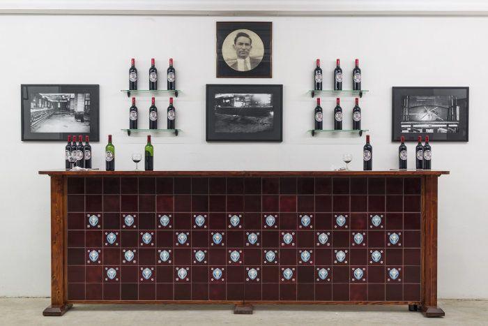 Carlos Garaicoa, Sloppy Joe's Bar Dream…, 1995, instalación. Cortesía: Galleria Continua, San Gimignano/Beijing/Les Moulins/Habana