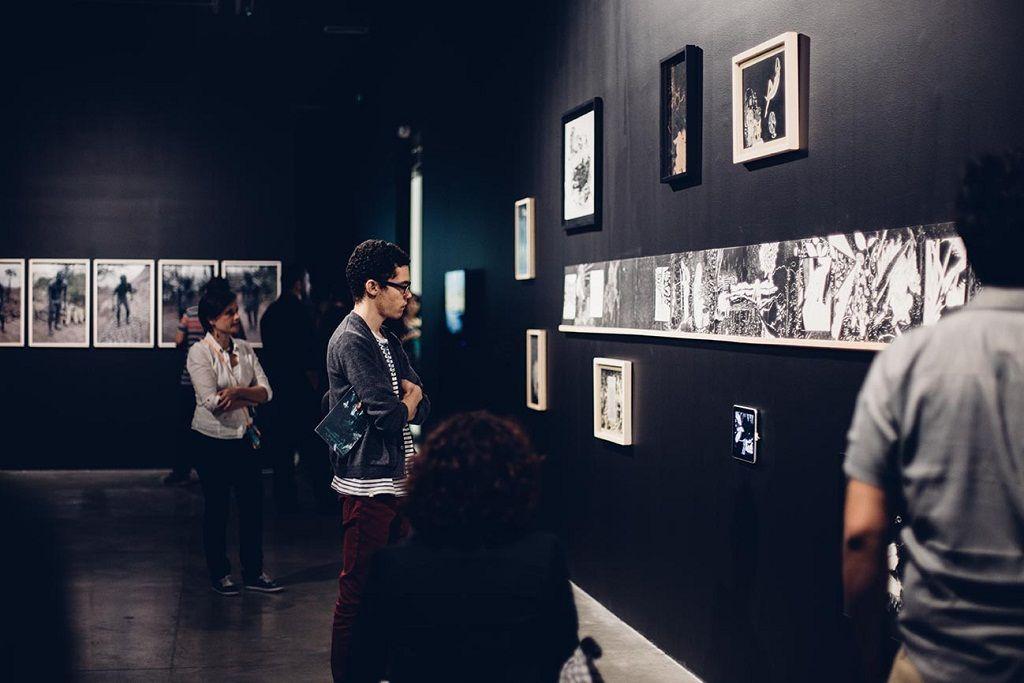 """Inauguración """"Oscuro diario"""" de María Isabel Rueda. Museo de Arte Moderno de Medellín. Cortesía de la artista."""