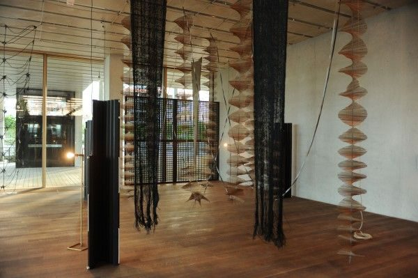 Leonor-Antunes-a-secluded-and-pleasant-land.-in-this-land-I-wish-to-dwell-2014-Installation-view-Pérez-Art-Museum-Miami-Photo-credit-World-Red-Eye-600x399