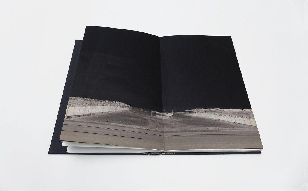 Libro Fotoquímico (Catalina de la Cruz/Isabel Fernández). Cortesía de las artistas/IMPRESIONANTE
