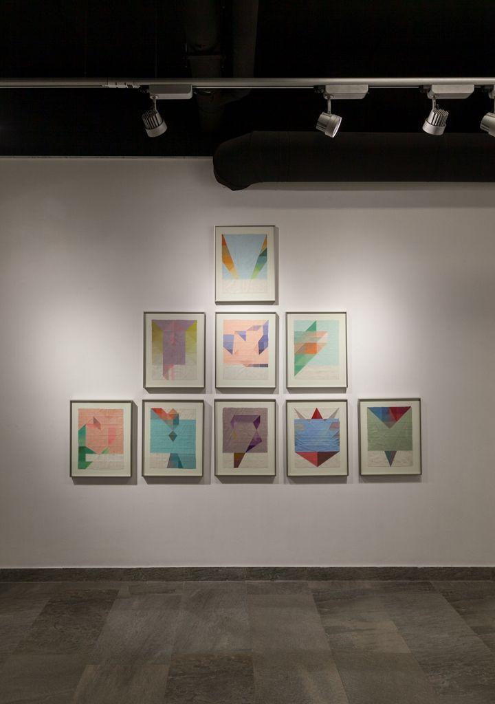 Magdalena Rojas, vista de la exposición Cavilar, en Galería NAC, Santiago de Chile, 2016. Foto: Sebastián Mejía. Cortesía: NAC