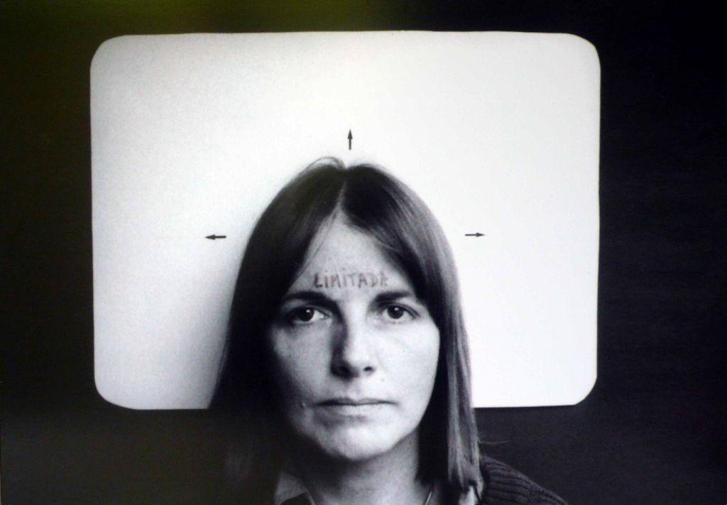Marie Orensanz, Limitada, 1978, fotografía (edición 1/ 5), 35 × 50 cm. Cortesía: Alejandra Von Hartz Gallery ©Marie Orensanz