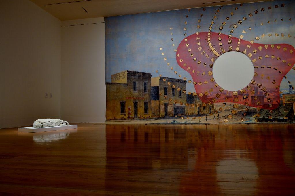 Vista de la exposición Toujours, el Museo como Testigo, en el Museo de Arte Contemporáneo de Monterrey, México, 2016. Cortesía: MARCO