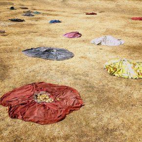 Joaquín Sánchez. Canto de Lluvia Nro 1.Fotografía digital impresa en papel algodón mate con pigmentos minerales, 140 x 88 cm. Ed 1/6, 2016. Galería Patricia Ready, Santiago de Chile, 2016. Imagen cortesía del artista.