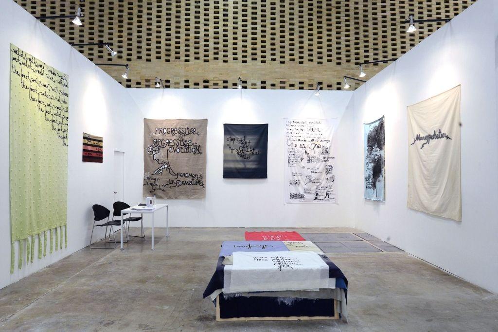 Babi Badalov en Galerie Jerome Poggi (París). ARTBO 2016. Foto: © Cámara de Comercio de Bogotá / 48 por segundo -Todos los Derechos reservados