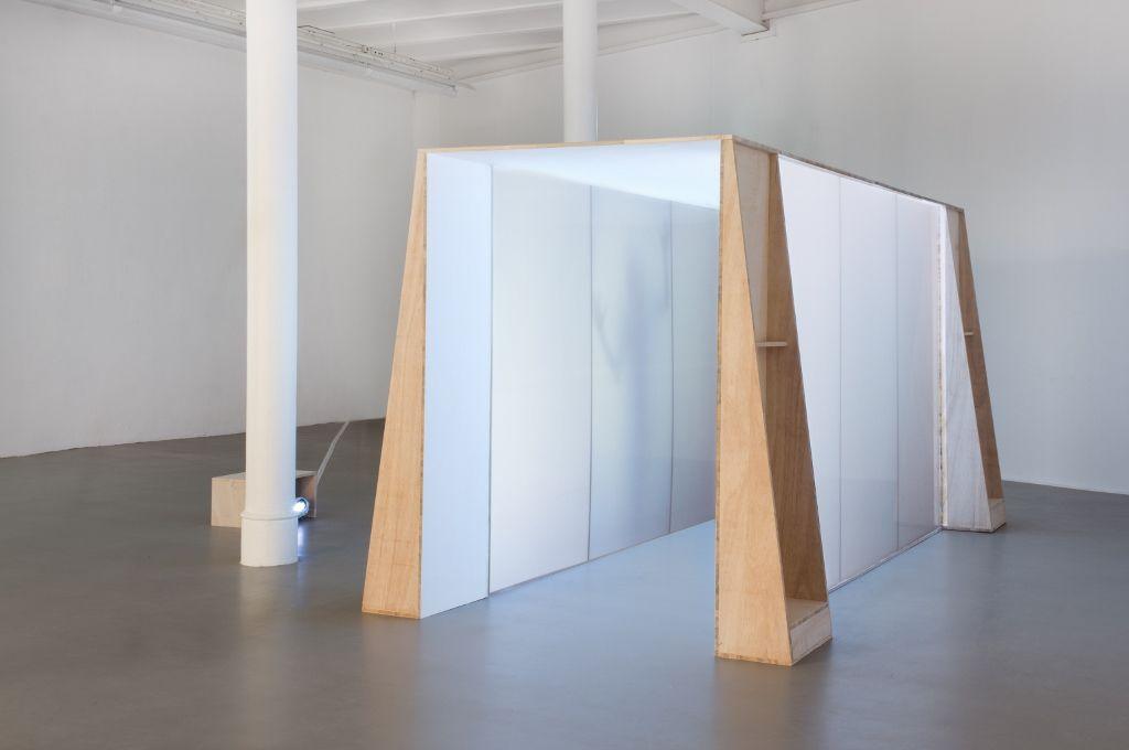 Anawana Haloba. Rape at Piccadilly Circus. 2016. Parte de la muestra: Kabbo ka Muwala. Städtische Galerie Bremen, Alemania, 2016. Foto cortesía Städtische Galerie Bremen