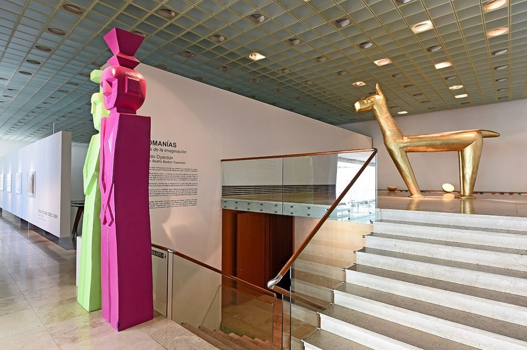 Bernardo Oyarzún. Vista de la exposición Mitomanías, en Galería Patricia Ready, Santiago de Chile. Foto cortesía de la galería