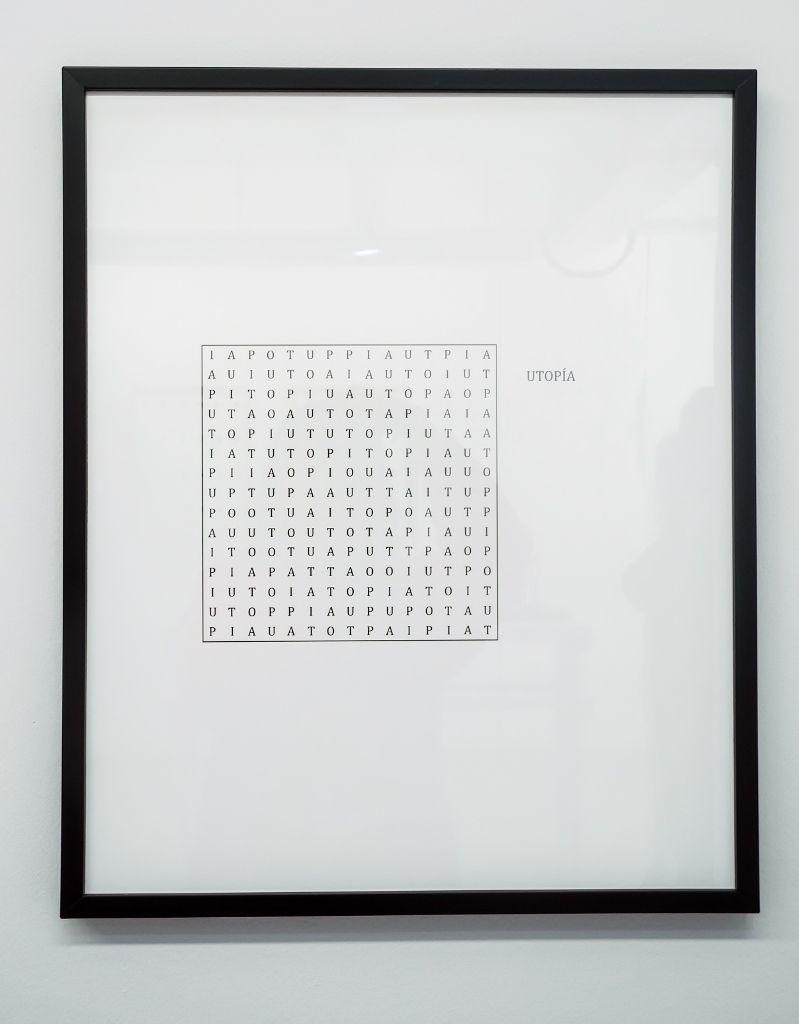 Camila Ramírez. Pasatiempo. Parte de la muestra: Todo va a estar bien. Galería Metales Pesados Visual, Santiago de Chile, 2016. Foto cortesía de la artista.