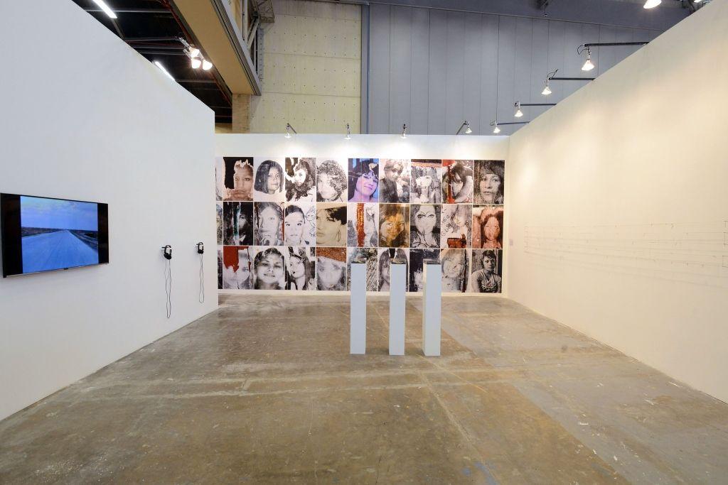 Teresa Margolles en Galerie Peter Kilchmann (Zürich). ARTBO 2016. Foto: © Cámara de Comercio de Bogotá / 48 por segundo -Todos los Derechos reservados