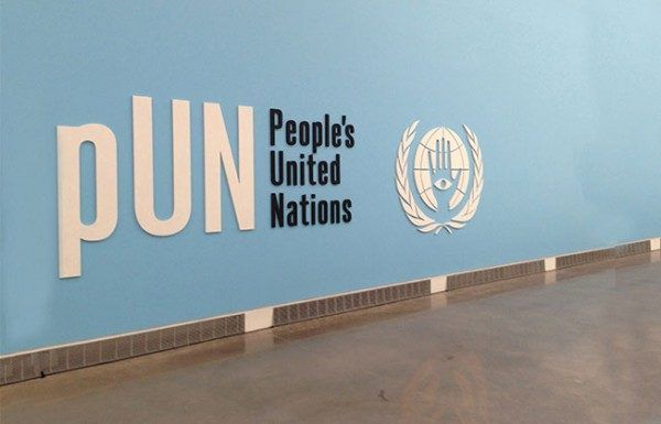 Pedro Reyes, People's United Nations (pUN), 2013. Cortesía del artista