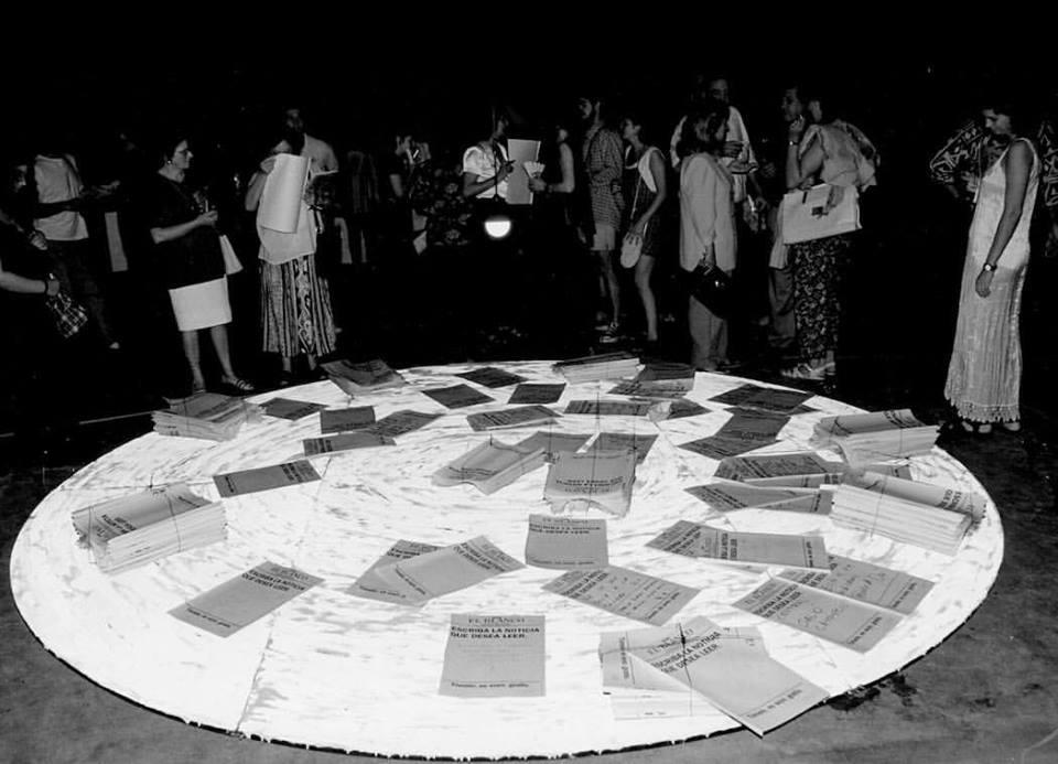 """Noemí Escandell, Diario Blanco. De la serie """"Handing Works – from hand to hand"""", 1995. Imagen cortesía de Untitled/Henrique Faria Buenos Aires"""