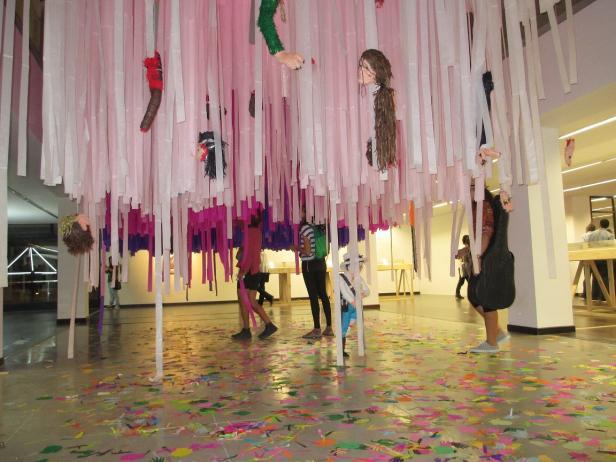 Paulo Licona, H.H Hermoso horror. Piñatas. 2016. Foto: Laura Quiceno.