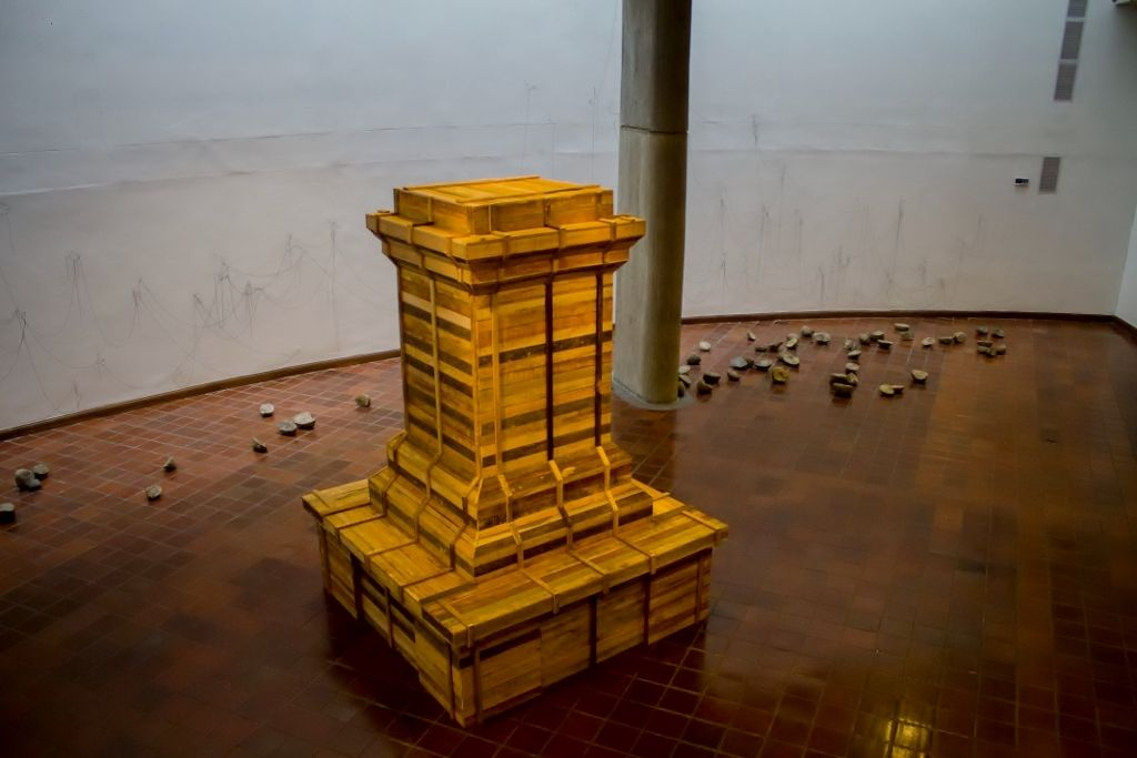 Juan Fernando Herrán, Héroes Mil, 2015. Instalación escultórica. Foto: Tatiana Toro. Cortesía: 44 Salón Nacional de Artistas.