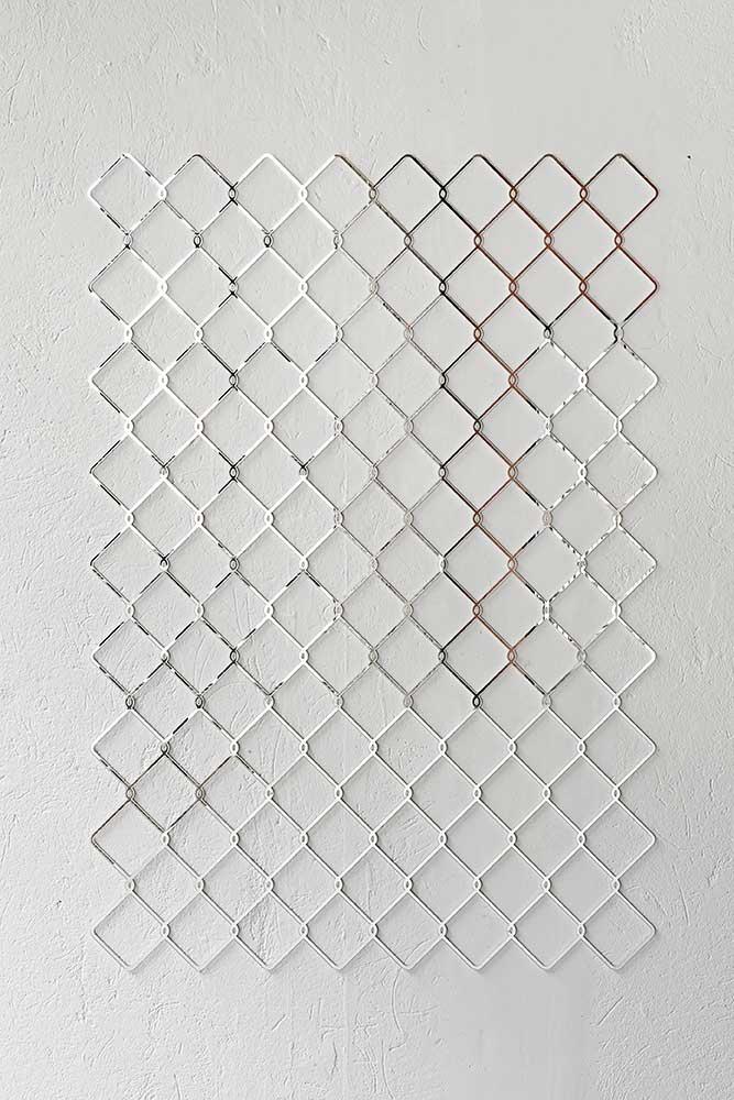 Nicolás Consuegra, Óptica mióptica, Cristal espejo, 180 x 90 cm. 2016. Cortesía: Instituto de Visión, Bogotá, 2016