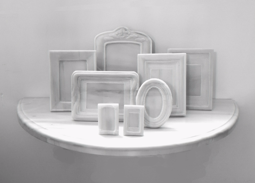Oscar Muñoz, Domestico, 2013-2015, mármol, 80 × 40 × 40 cm. Cortesía: mor charpentier
