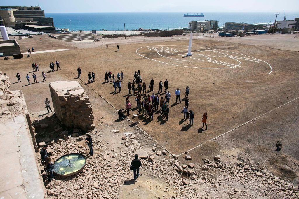 """Catalina González, El paisaje que nos une, 2014. Curaduría """"Desertificación"""", SACO 3, Antofagasta, Chile, 2014. Créditos fotográficos Colectivo Se Vende"""