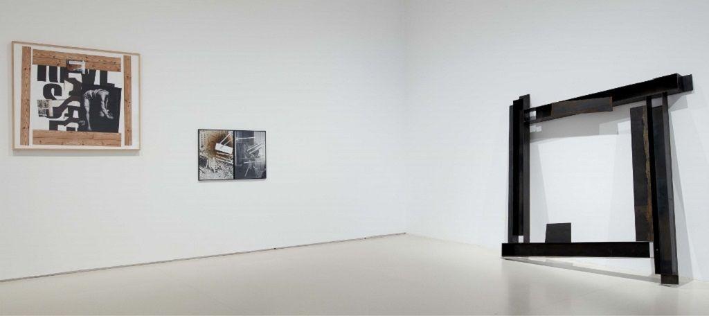 Txomin Badiola. Otro Family Plot. Vista de la exposición. Museo Nacional Centro de Arte Reina Sofía, 2016. Foto: Joaquín Cortés/Román Lores