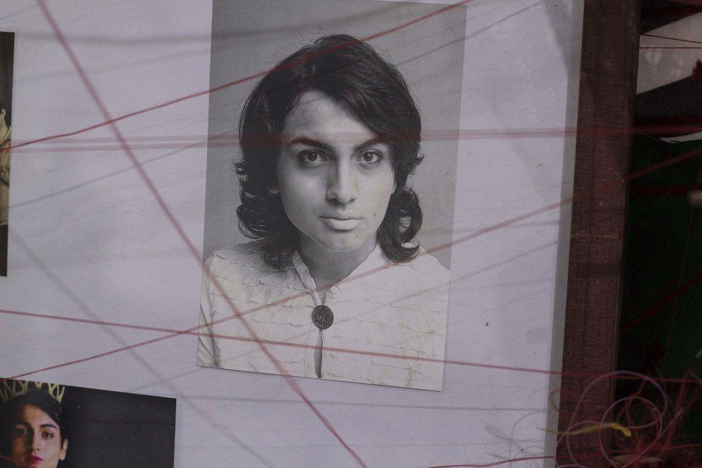 Luciano Malo hizo autorretratos de él vestido como su madre, a quien se parece mucho físicamente