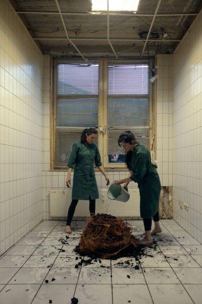 Michelle-Marie Letelier y Marcela Moraga, Urproduktion (producción primaria), 2013, performance