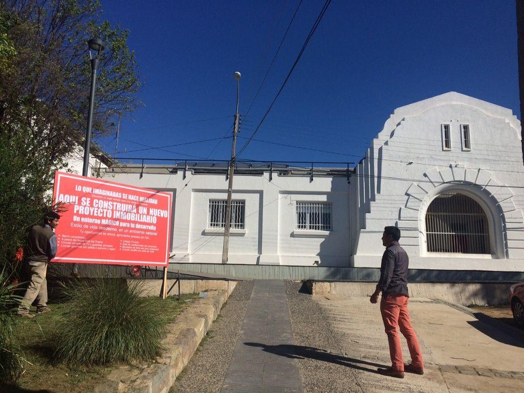 """Nicolás Grum, Modelo exquisito, 2015. Curaduría """"#DepresionesIntermedias"""", Parque Cultural de Valparaíso, Chile, 2015. Créditos fotográficos Rodolfo Andaur."""