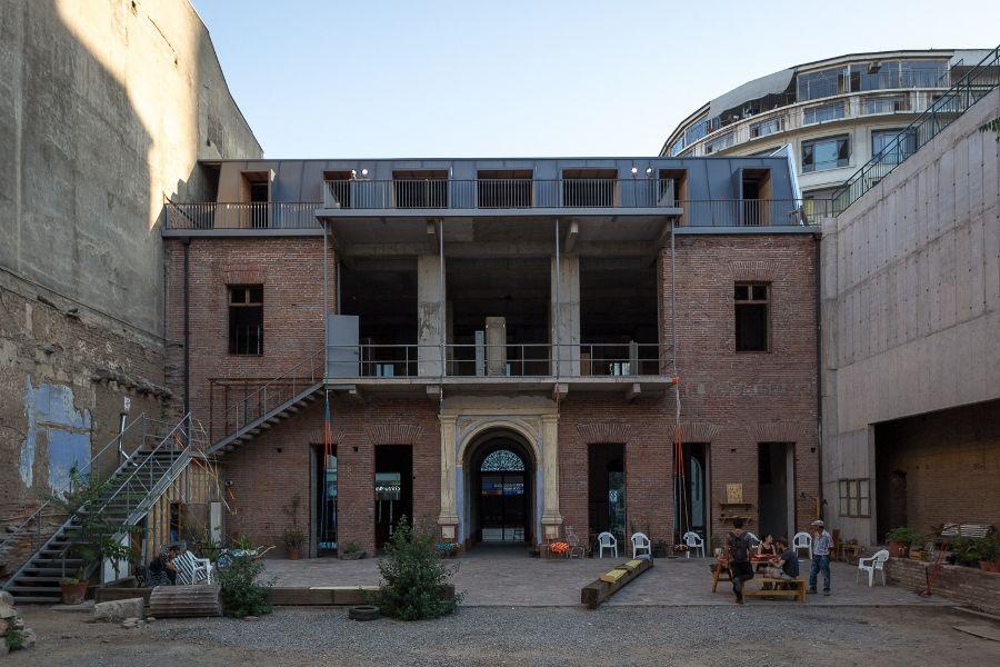 Patio posterior de Casa Goycolea, sede del proyecto Compañía 1263. Foto: Felipe Ugalde