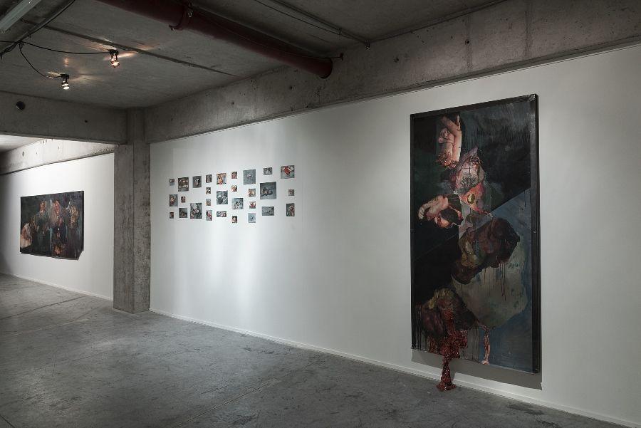 """Fernanda Ponce de León. Vista de obra en """"Carácter"""", muestra de egresados de la Escuela de Arte de la Universidad Diego Portales (UDP), 2017. Foto: Jorge Brantmayer"""